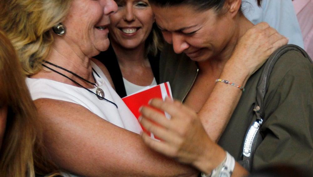 Emotiva dimisión de Esperanza Aguirre