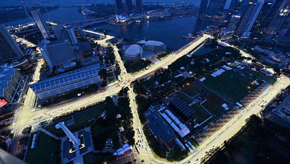 Singapur de noche desde la noria