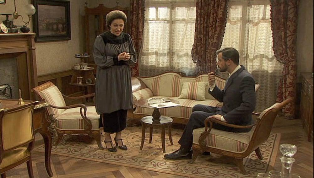 Francisca y Olmo abordan el tema de María y Fernando