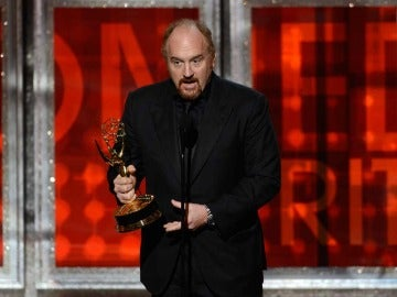 Louis CK recibió el galardón que lo señala como uno de los mejores guionistas