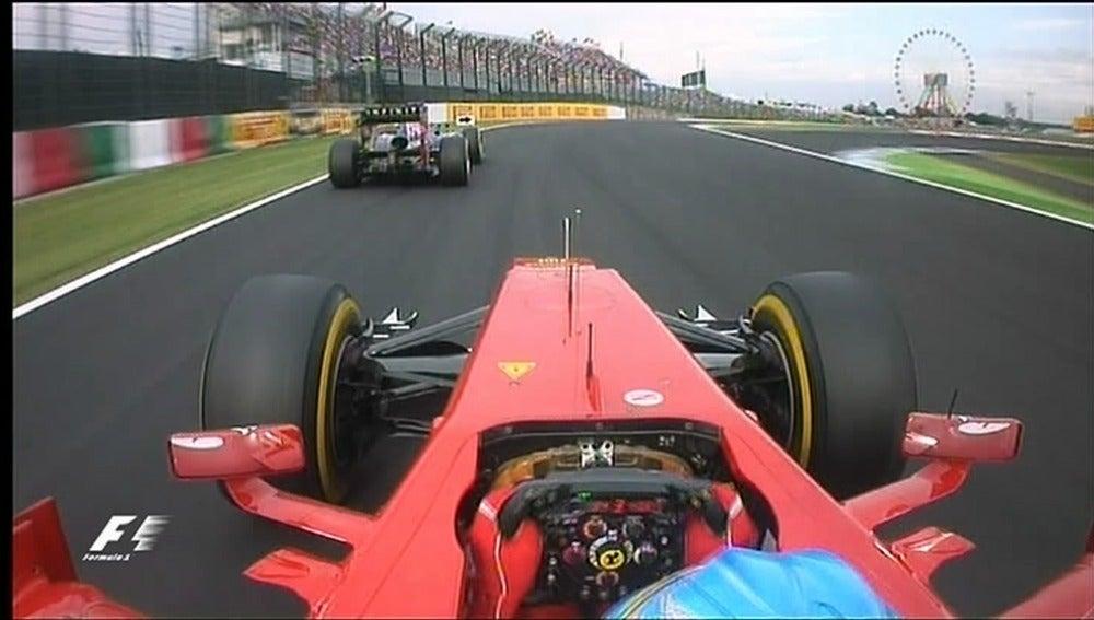 ¿Bloquea Vettel a Alonso?