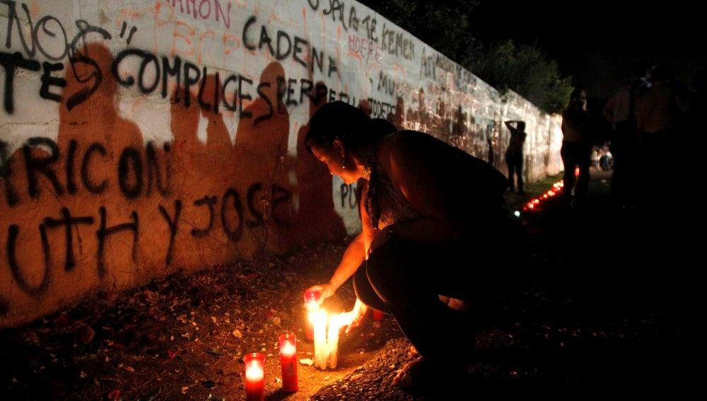 Los cordobeses llevan velas a las Quemadillas