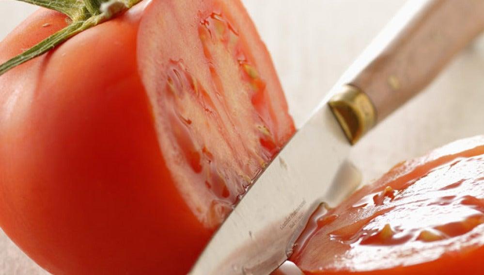 El consumo de tomate reduce el  riesgo de padecer cáncer de próstata
