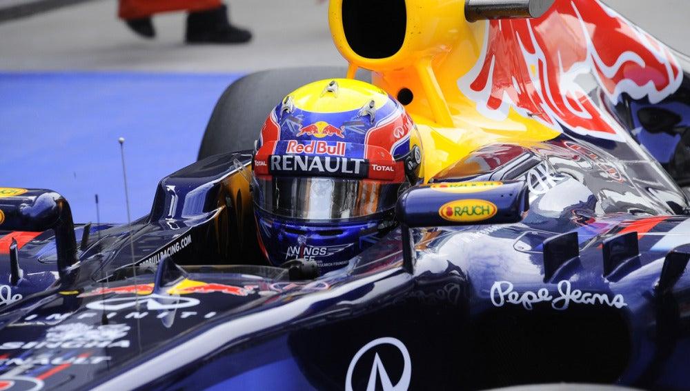 Mark Webber en el cockpit de Red Bull