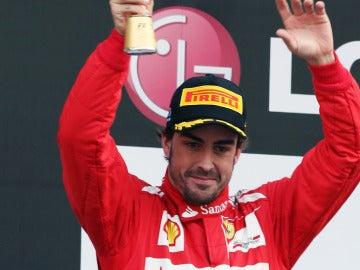 Alonso en el podio de Yeongam