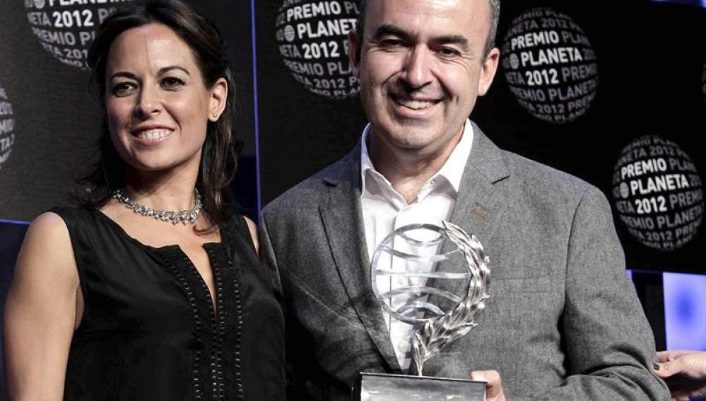 Mara Torres y Lorenzo Silva