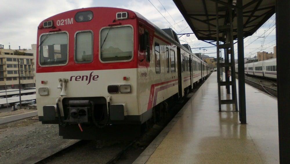 Tren de cercanías entre Murcia y Alicante