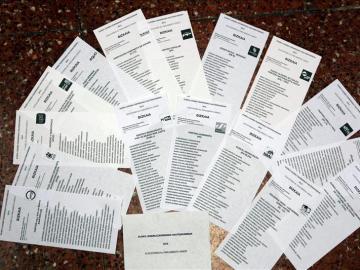 Papeletas para votar en las elecciones del País Vasco