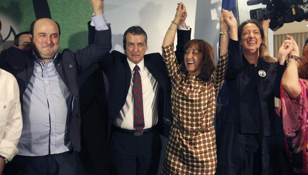 Iñigo Urkullu celebra la victoria