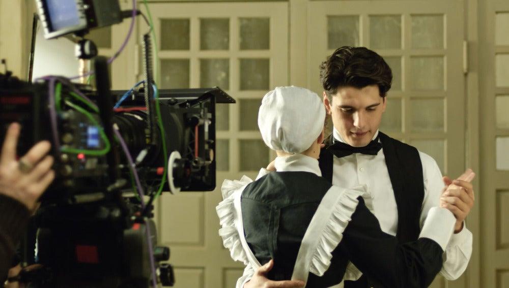 Grabando el baile de Julio e Isabel