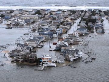 Viviendas anegadas por el agua en Nueva Jersey