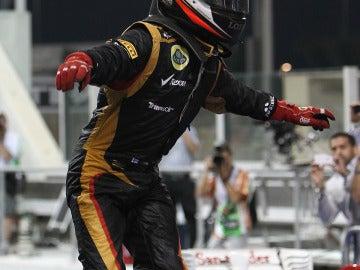 Raikkonen, encima del Lotus