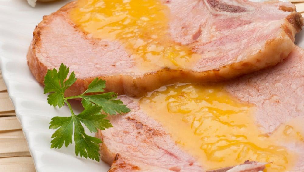 Chuletas de sajonia con salsa de naranja