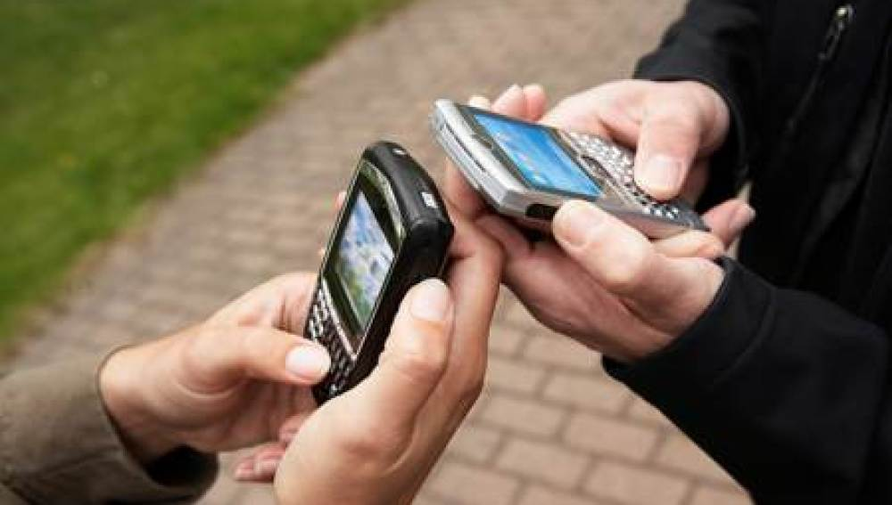 La telefonía móvil pierde 486.183 líneas en octubre