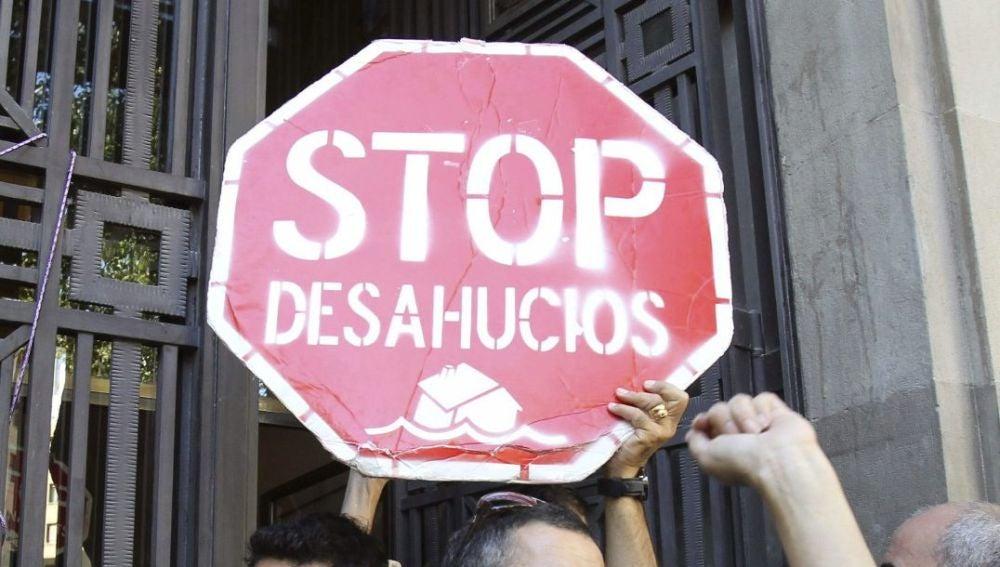 Cartel a favor de parar los desahucios