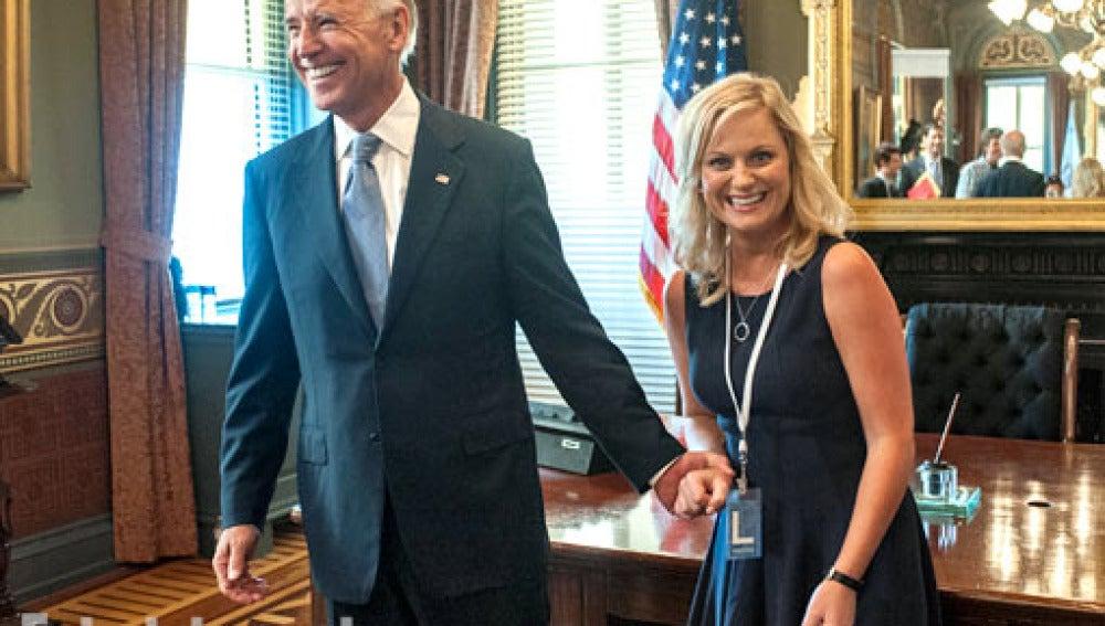Joe Biden con Amy Poehler en 'Parks and Recreation'