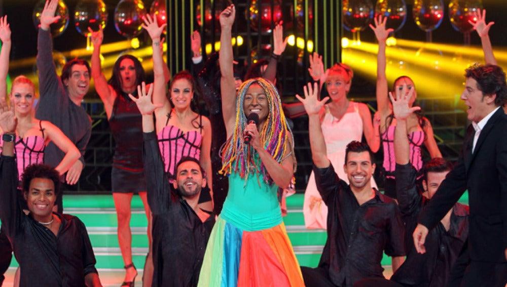Ángeles gana la séptima gala como Lucrecia