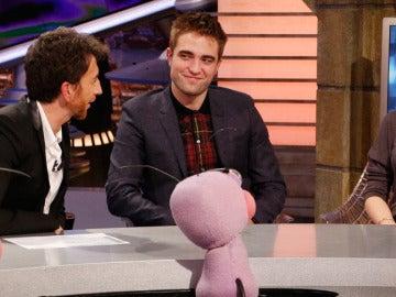 Kristen Stewart y Robert Pattinson muy sonrientes