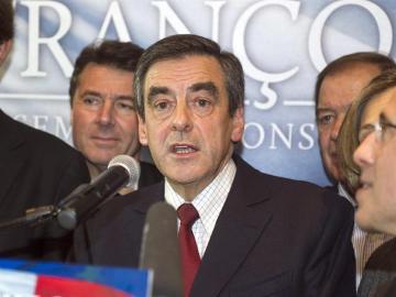 François Fillon, al igual que Jean-François Copé, se proclama ganador de las primarias de la UMP