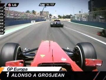 Alonso pasa a Grosjean en Valencia