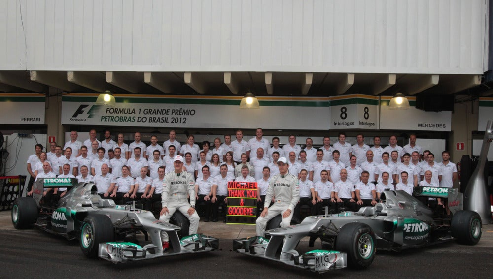 Mercedes dice adiós a Schumacher