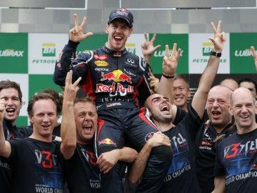 Vettel, tricampeón del mundo