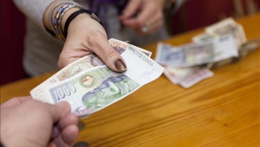 Los españoles todavía guardan millones de euros en pesetas