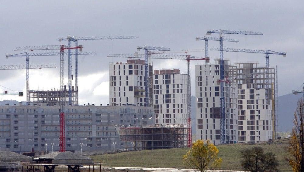 Varios edificios de viviendas en construcción