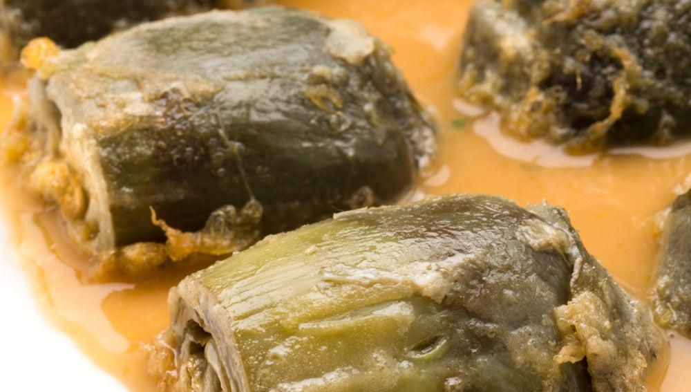 Alcachofas rebozadas con salsa