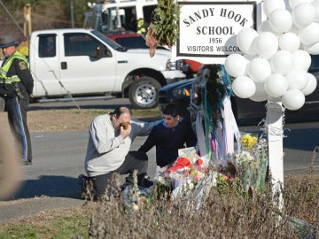 Dolor en EEUU tras el tiroteo en Newtown
