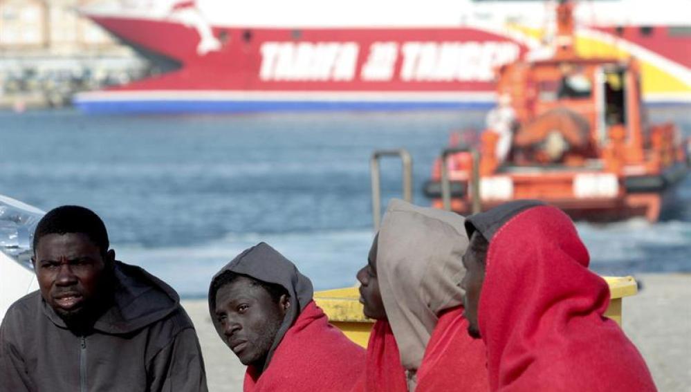 Inmigrantes frente a la costa de Tarifa