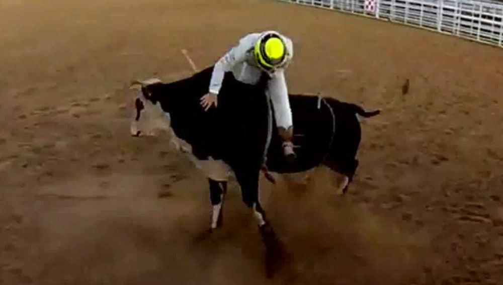 Nico Rosberg, sobre un toro