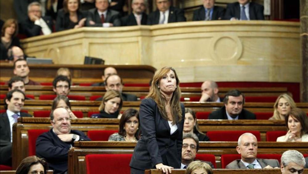 Sánchez-Camacho en el congreso catalán