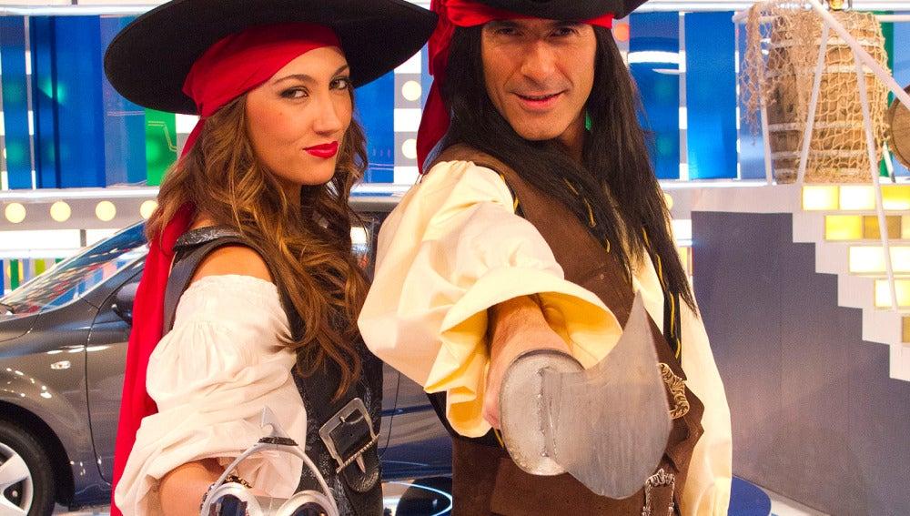 Jorge Fernández y Paloma en el Especial Piratas