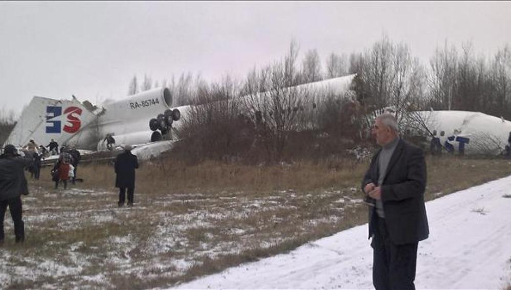 Accidente de un avión de pasajeros al aterrizar en Moscú