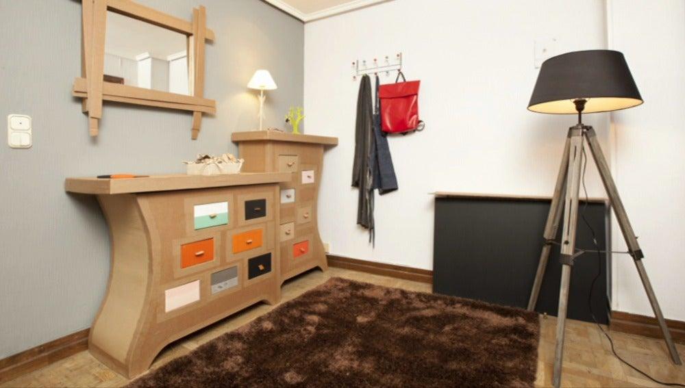 Muebles de cartón para el hall de Rufino