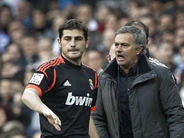Casillas y Mourinho en el Bernabéu