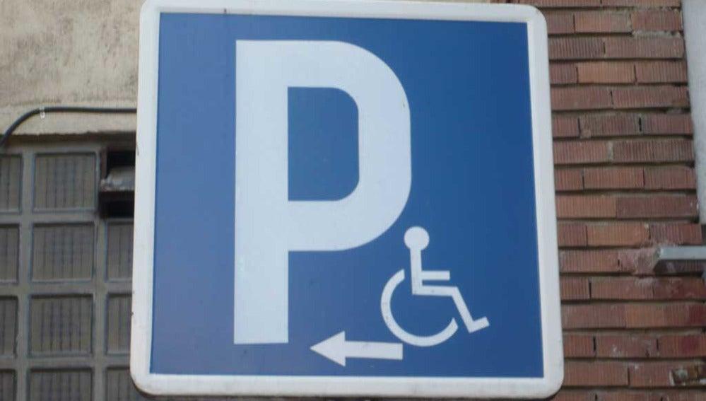 Señal de aparcamiento para discapacitados