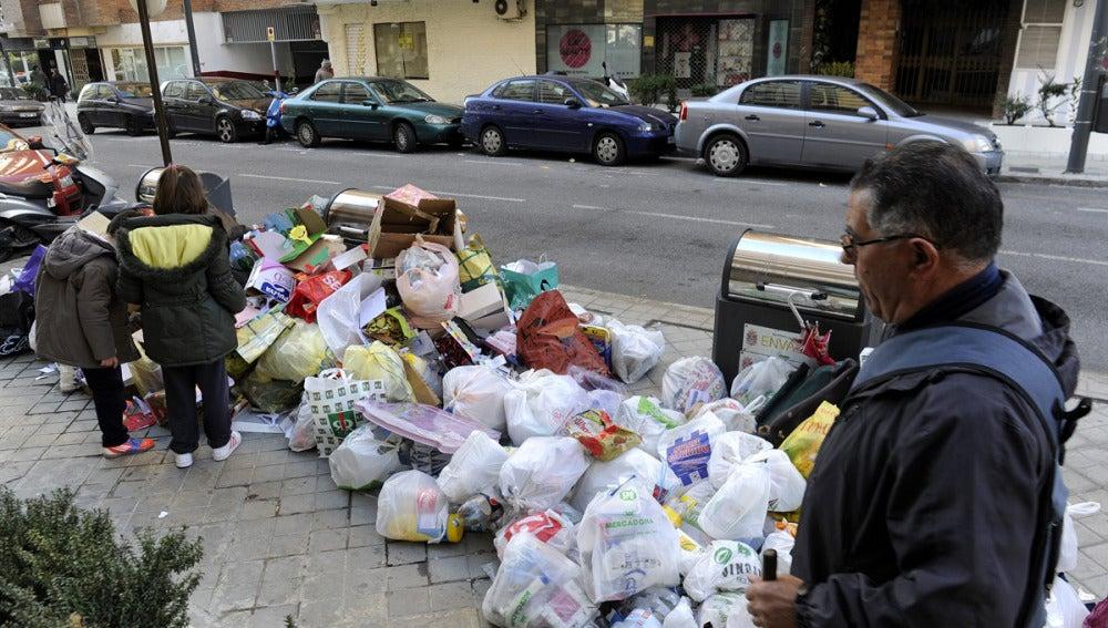 Huelga del servicio de basuras en Granada