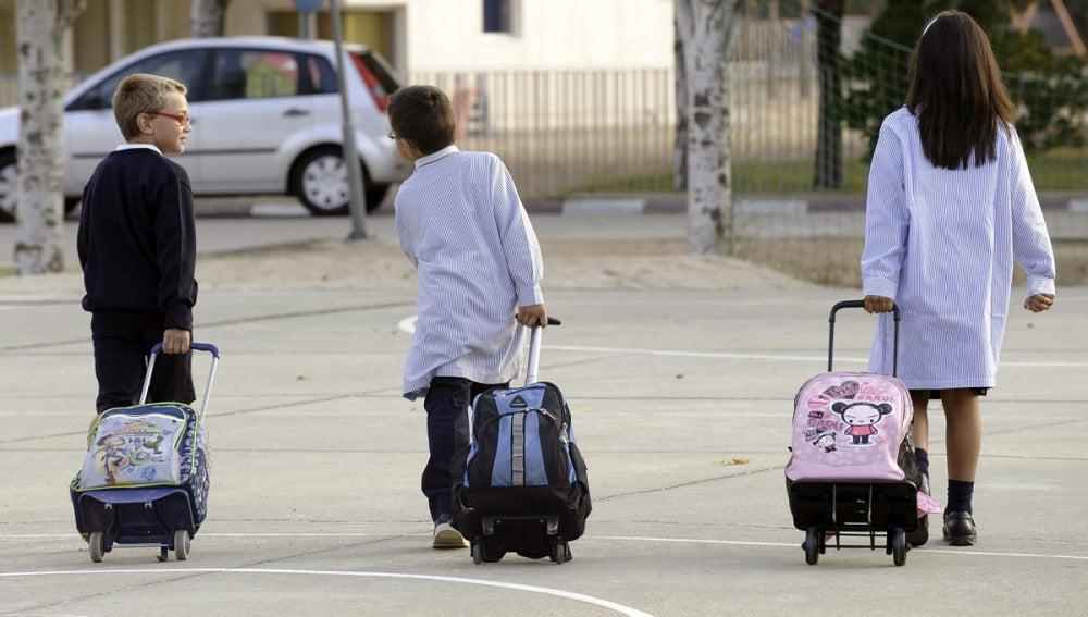 Madrid presenta un decreto para la libre elección de colegio