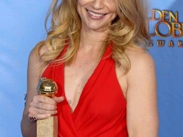 Claire Danes con su segundo Globo de Oro por 'Homeland'