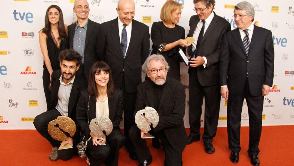Foto de grupo de todos los ganadores