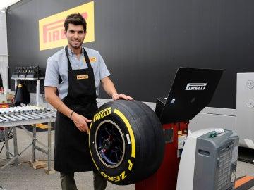 Alguersuari seguirá siendo piloto probador de Pirelli
