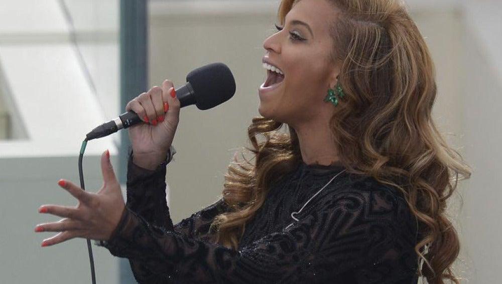 Beyoncé durante el acto de investidura a Obama