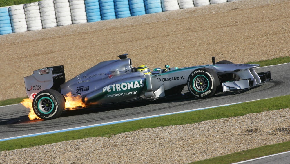 El W04 de Rosberg, en apuros