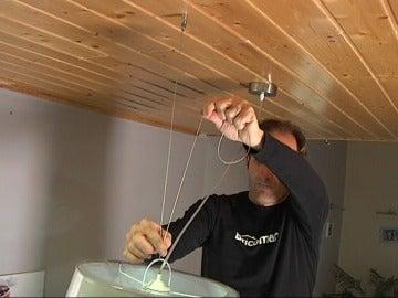 Cómo desplazar un punto de luz en el techo
