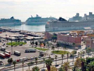 Vista general del puerto de Barcelona