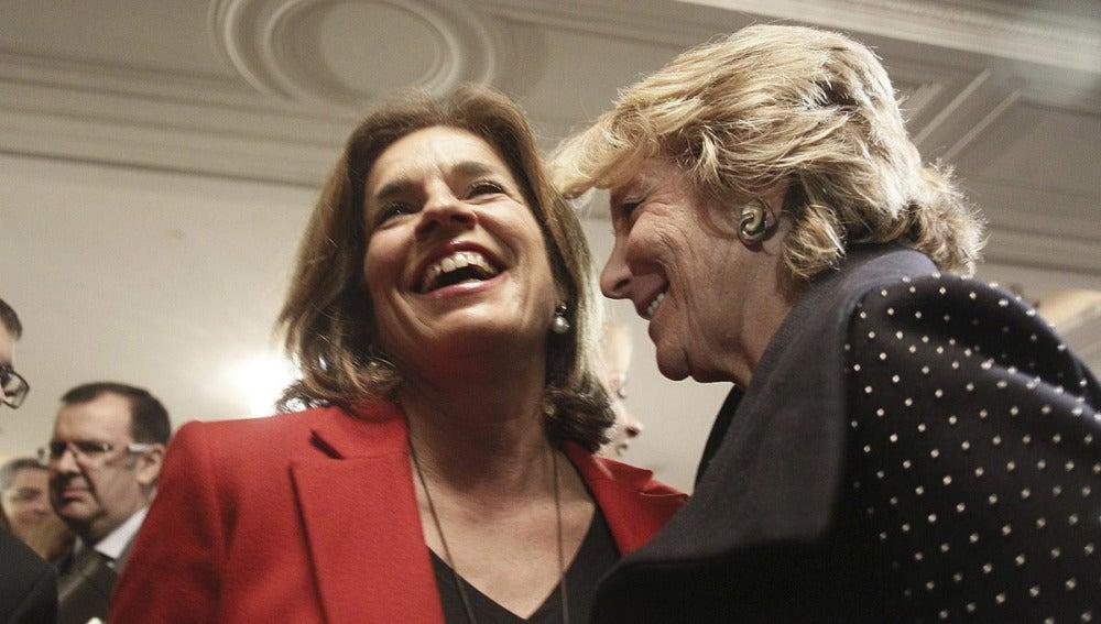 Ana Botella y Esperanza Aguirre conversan animadamente