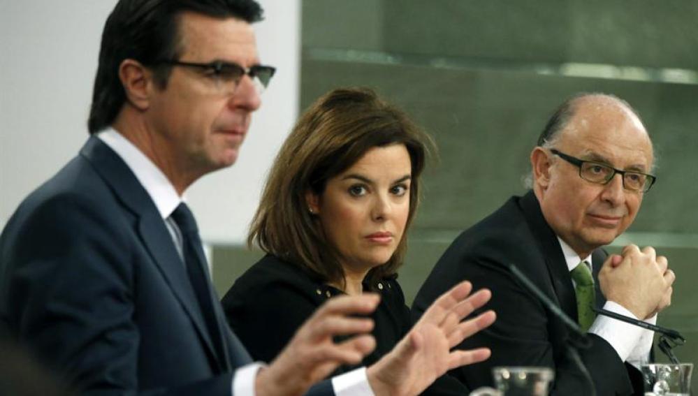Soria, Soraya y Montoro tras el Consejo de Ministros