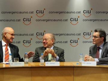 El presidente de CiU, Artur Mas, junto al presidente fundador, Jordi Pujol, y el secretario general, Josep Antoni Duran i Lleida